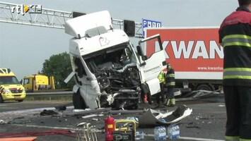 RTL Nieuws Dodelijk ongeluk A2: verkeer moet omkeren