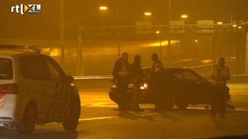 RTL Nieuws Man zwaargewond bij schietpartij op snelweg
