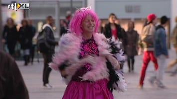 Hotter Than My Daughter - Mooi Roze Is Niet Lelijk...