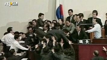 Editie NL Vechtende politici Zuid-Korea