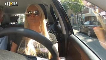 Barbie's Baby - Haalt Barbie Haar Rijbewijs?