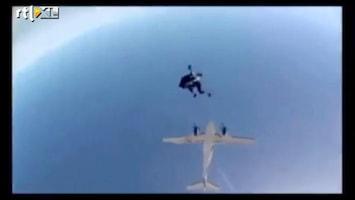 Editie NL Tuigje raakt los bij parachutesprong