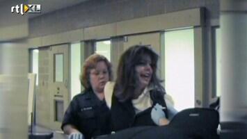 De Politie Op Je Hielen! - Dronken Stewardess Opgepakt