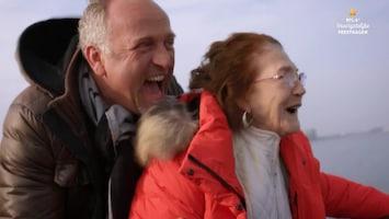 RTL 4's Onvergetelijke Feestdagen Gordon gaat racen met 82-jarige vrouw op een speedboot