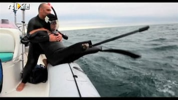 RTL Nieuws Fransman zwemt zonder ledematen