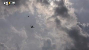 RTL Nieuws Amateurvideo van F16's bij toestel Vueling
