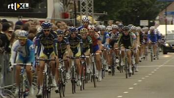 RTL Nieuws Nederlandse wielrenners razen door Boxmeer