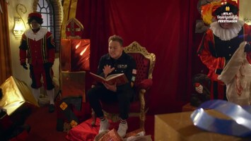 RTL 4's Onvergetelijke Feestdagen Jamai verrast samen met Sinterklaas drie bijstandsgezinnen