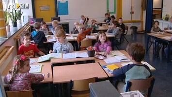 RTL Nieuws Grotere klassen door bezuinigingen op basisscholen