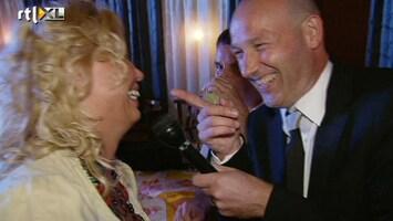 De Weddingcrasher - Is Het Oké Als Ik Je Man Zoen?