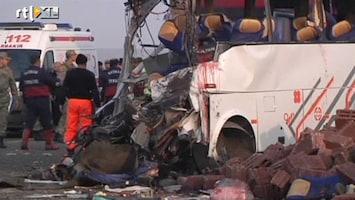 RTL Nieuws 25 doden bij busongeluk in Turkije