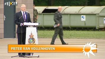 RTL Boulevard Pieter van Vollenhoven reikt gevechtsinsignes uit