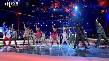 Everybody Dance Now - Spectaculaire Opening Finale