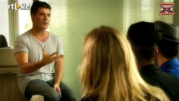 X Factor Adlicious bij Simon Cowell