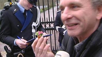 RTL Nieuws Miniatuurbloemen voor poppenhuis van de koningin