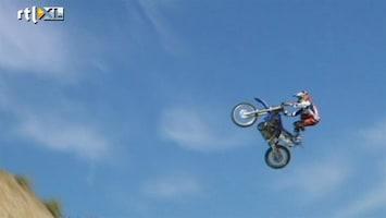 RTL Nieuws Vliegen op een motorfiets