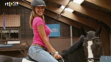 Britt & Ymke En Het Mysterie Van ... Celebritty Jump: Kelly van der Veer