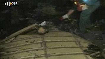 RTL Nieuws Vliegtuig stort op wijk in Pakistan