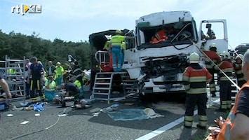 RTL Nieuws Ravage na dodelijk ongeluk A2