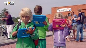 RTL Nieuws Tabletonderwijs wordt kritisch gevolgd