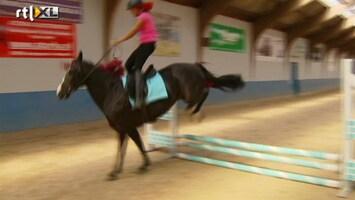 Britt & Ymke En Het Mysterie Van ... Sharon jumpt!