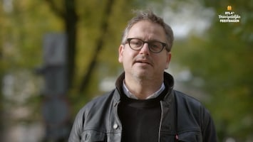 RTL 4's Onvergetelijke Feestdagen Guus Meeuwis trakteert moeder en dochter op viptickets voor zijn concert