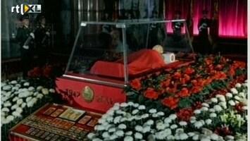 RTL Nieuws Eerste beelden van opgebaarde Kim Jong-il