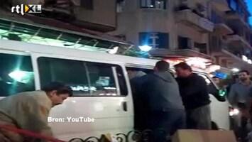 RTL Nieuws Syrische politie hakt er hard op in