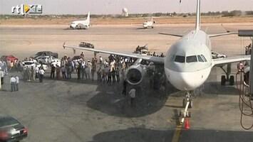 RTL Nieuws Vliegveld Tripoli bezet door rebellen