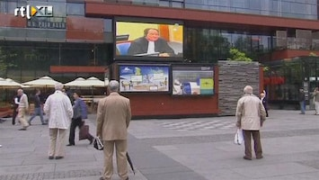 RTL Nieuws Srebrenica kijkt live mee naar rechtszaak