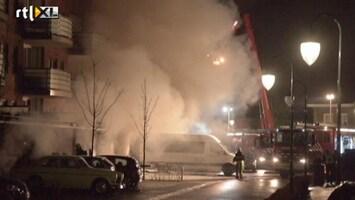 RTL Nieuws Grote brand in parkeergarage Veldhoven