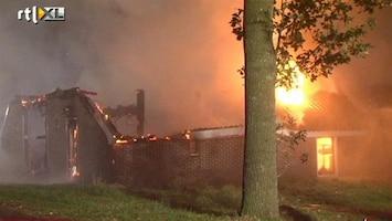 RTL Nieuws Drentse boerderij gaat op in vlammen