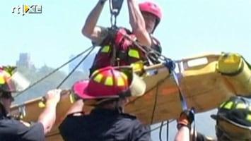 RTL Nieuws Man overleeft sprong van Niagara waterval