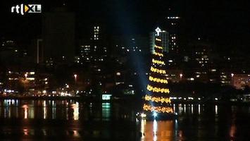 RTL Nieuws Grootste drijvende kerstboom