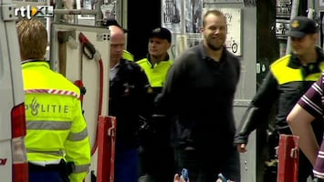 RTL Nieuws Politie ontruimt krakersbolwerk Utrecht