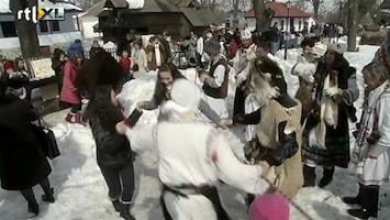 RTL Nieuws Roemenen proberen winter te verjagen