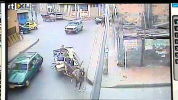RTL Nieuws Paard en wagen schiet winkel binnen
