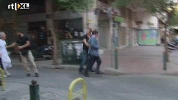 RTL Nieuws Burgemeester Athene aangevallen door boze menigte