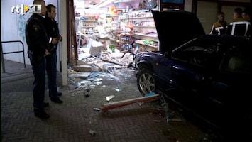 RTL Nieuws Auto richt ravage aan in Toko Den Helder