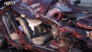 RTL Nieuws Beelden van ernstig auto-ongeluk A15