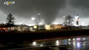 RTL Nieuws Spoor van verwoesting na tornado