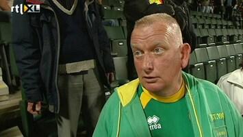 Voetbalfans Kan Haagse rooie het cadeau overhandigen?