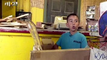 Editie NL Indrukwekkend: jongen bouwt speelhal van karton