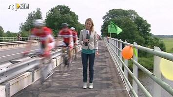 RTL Nieuws Tourgekte op de Mollema-bult in Zuidhorn