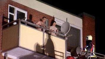RTL Nieuws Bewoners flat gered van balkon
