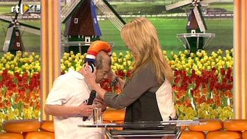 Ik Hou Van Holland - Meneer Chung Zingt Een Nederlands Lied