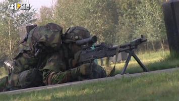 RTL Nieuws Leger 'speelt' oorlogje op TT in Assen