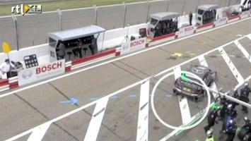Editie NL Fail: race-auto haalt crew onderuit