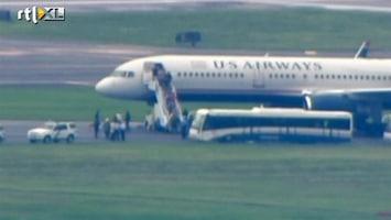 RTL Nieuws Zoektocht naar bom in passagiersvliegtuig
