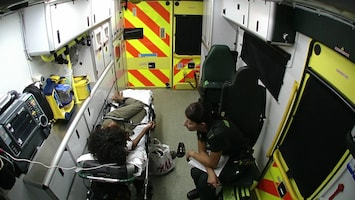 Ambulance Uk - Afl. 2